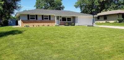 Menomonee Falls Single Family Home For Sale: W176 N9135 Roosevelt Drive