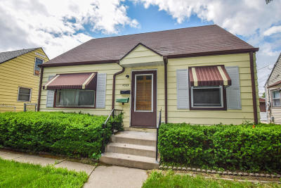 Milwaukee Single Family Home For Sale: 4533 N 44th St