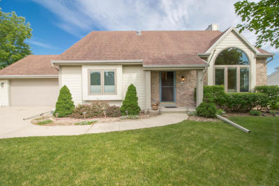 Franklin Single Family Home Active Contingent With Offer: 7218 S Hillendale Dr
