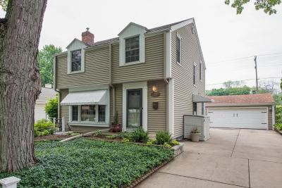 Milwaukee Single Family Home Active Contingent With Offer: 3810 S Griffin Ave