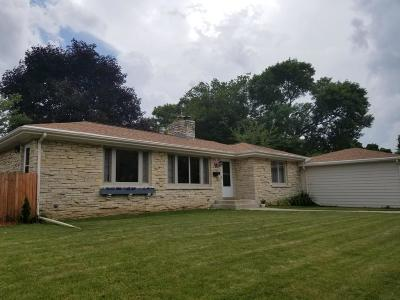 West Allis Single Family Home For Sale: 8701 W Harrison Ave.