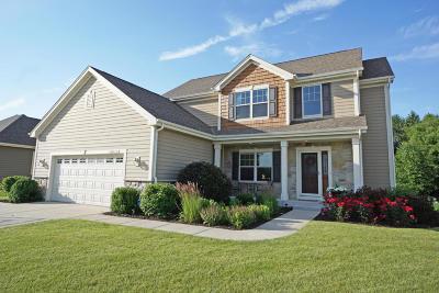 Pewaukee Single Family Home For Sale: N28w24360 Single Tree Ct