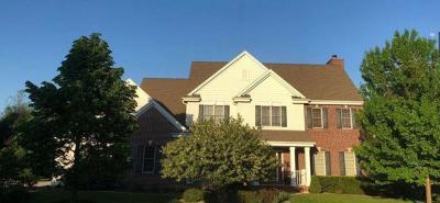 Menomonee Falls Single Family Home For Sale: W149n7344 Hidden Meadow Dr