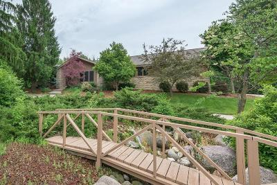 Waukesha Single Family Home For Sale: W248s7070 Sugar Maple Dr