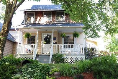 Milwaukee Single Family Home Active Contingent With Offer: 3264 S Delaware Ave