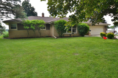 Waterford Single Family Home For Sale: 7427 Pleasant Rd