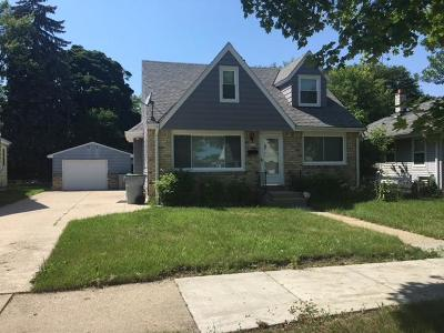 Milwaukee Single Family Home Active Contingent With Offer: 3733 N 73rd St