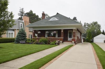 Kenosha Single Family Home Active Contingent With Offer: 7120 3rd Ave
