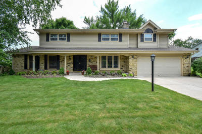 Cedarburg Single Family Home For Sale: N82w7489 Pine St