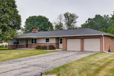 Belgium Single Family Home Active Contingent With Offer: 132 N Middle Rd
