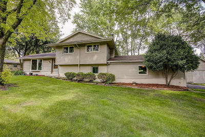 Muskego Single Family Home Active Contingent With Offer: W131s6510 Kipling Dr
