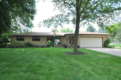 Brookfield Single Family Home Active Contingent With Offer: 17100 Martha Dr
