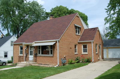 West Allis Single Family Home Active Contingent With Offer: 2130 S 94th St