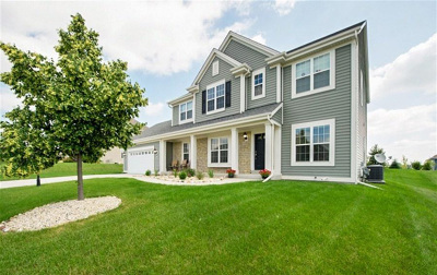 Mukwonago Single Family Home Active Contingent With Offer: 1530 Whitetail Run