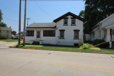 Watertown Single Family Home For Sale: 513 N 4th St