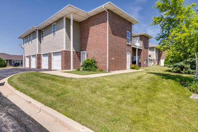 Pleasant Prairie Condo/Townhouse Active Contingent With Offer: 6738 102nd St #AA