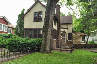 Milwaukee Single Family Home For Sale: 2948 S Lenox St
