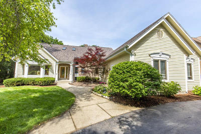 Brookfield Single Family Home Active Contingent With Offer: 3215 Cherry Hill Dr