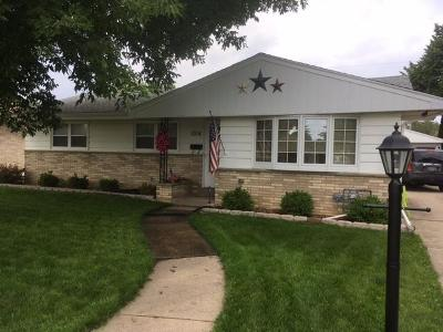 Racine Single Family Home For Sale: 1014 Berkeley Dr