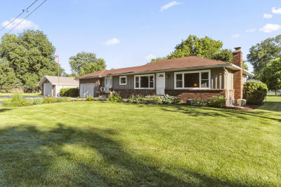 Pell Lake Single Family Home Active Contingent With Offer: W1383 Eastwood Rd