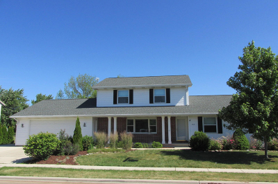 Cedar Grove Single Family Home Active Contingent With Offer: 312 Huenink Ave