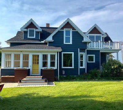 Port Washington Single Family Home Active Contingent With Offer: 1861 Sunset Rd