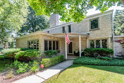 Whitefish Bay Single Family Home Active Contingent With Offer: 4901 N Oakland Ave