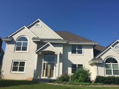 Menomonee Falls Single Family Home For Sale: W150n7250 Paseo Ln
