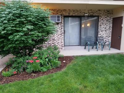 West Allis Condo/Townhouse For Sale: 1644 S 115th Ct #1