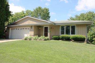 Mukwonago Single Family Home For Sale: 105 Shepard Ct