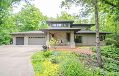 Mequon Single Family Home For Sale: 12226 N Madero Dr