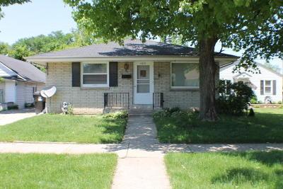 Racine Single Family Home For Sale: 3310 Pierce Blvd