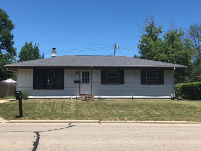 Racine Single Family Home For Sale: 5608 Sixteenth St