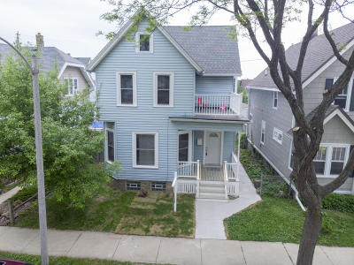 Milwaukee Single Family Home Active Contingent With Offer: 1718 E Rusk Ave