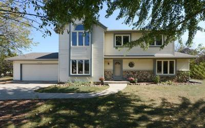Muskego Single Family Home For Sale: W148s6786 Golden Country Dr