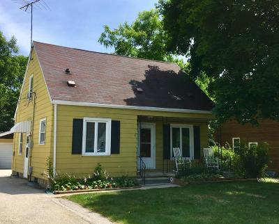 Brookfield Single Family Home Active Contingent With Offer: 1180 Lois Ave