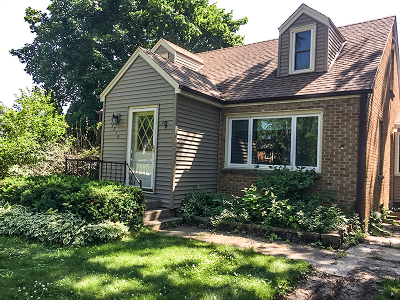 Brookfield Single Family Home For Sale: 1270 Alfred St