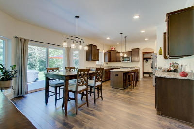 Muskego Single Family Home Active Contingent With Offer: S75w20051 Hillendale Dr
