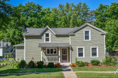 Fort Atkinson Single Family Home Active Contingent With Offer: 614 Whitewater Ave