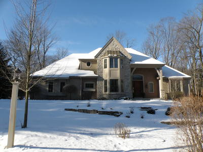 Elm Grove Single Family Home For Sale: 1735 Wedgewood Dr E