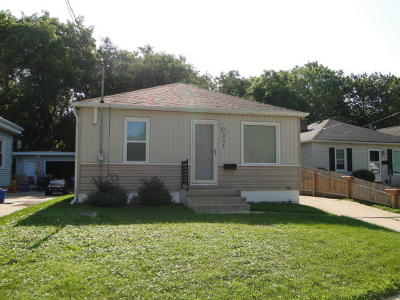 Racine Single Family Home Active Contingent With Offer: 231 Blaine Ave