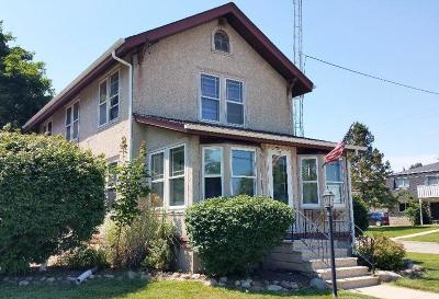 Williams Bay Single Family Home For Sale: 150 N Walworth Ave