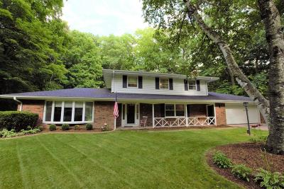 Cedarburg Single Family Home Active Contingent With Offer: 472 Beechwood Dr