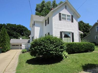 Fort Atkinson Single Family Home For Sale: 19 Elm St