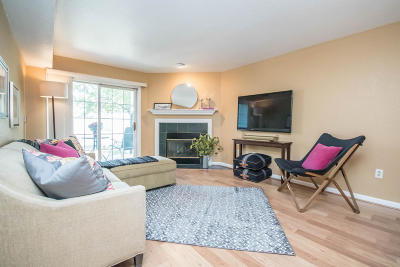 Pewaukee Condo/Townhouse Active Contingent With Offer: N17w26820 Conservancy Dr #C