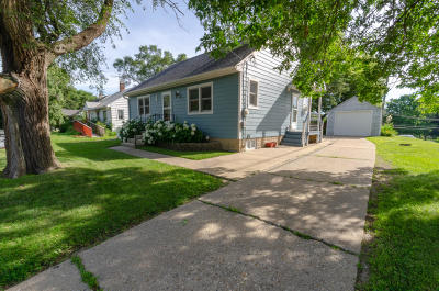 Watertown Single Family Home Active Contingent With Offer: 331 S Concord Ave