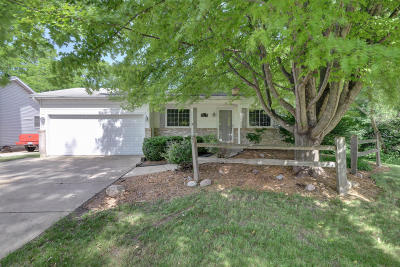 Pleasant Prairie WI Single Family Home For Sale: $249,000