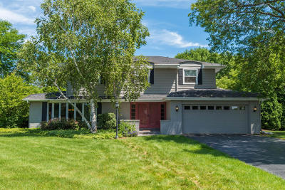 Brookfield Single Family Home Active Contingent With Offer: 3280 Old Lantern Dr