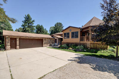 Racine Single Family Home Active Contingent With Offer: 371 13th Ave