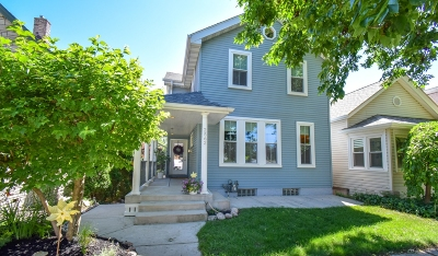 Milwaukee Single Family Home For Sale: 2562 S Williams St